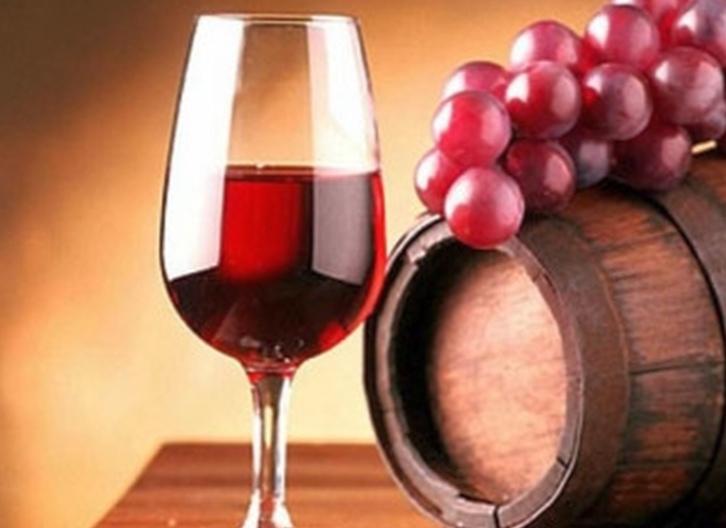 натуральное вино из винограда